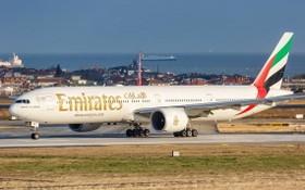 因受新冠肺炎疫情衝擊,阿聯酋航空公司恐將裁員 9000 人。(圖源:AP)
