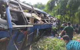 客車墜崖現場。(圖源:VOV)