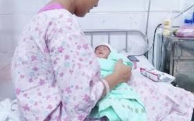 據了解,女嬰重2.2公斤,十分健康,目前母女倆均平安無恙。(圖源:院方提供)