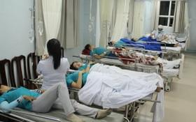 疑似食物中毒患者獲送真誠縣醫療中心救治。(圖源:越通社)