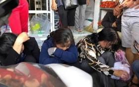 賣假草藥的團夥被當場抓獲。(圖源:俊阮)