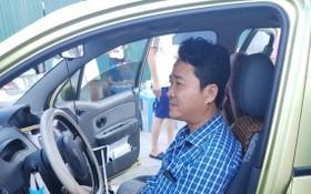 涉嫌強奪企業財產的陳仲霖被職能力量當場抓捕,人贓並獲。(圖源:警方提供)