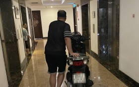 住在Sunrise City Central公寓的國英兄因連續被盜摩托車,只好將車子送到自己的住戶單位存放。