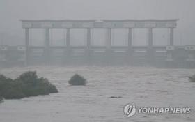 8月5日,臨津江水位攀升。(圖源:韓聯社)