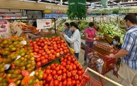 各超市售賣的果蔬量充足。