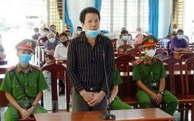 被告人阮功安在法庭上答審判員問案。(圖源:越通社)