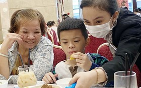 """愛華2大酒樓早市部近日新推出華人熟悉的""""豬腳薑醋""""。"""