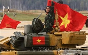 越南參賽的坦克車隊。(圖源:越通社)