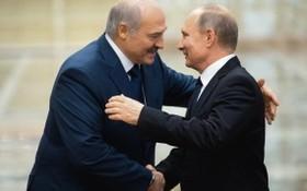 盧卡申科與普京。(圖源:AFP)