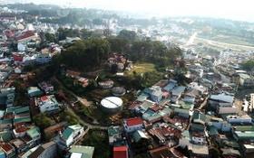從高處俯瞰的大勒市省長府山崗。(圖源:PV)