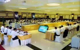 圖為 2020-2023年任期越南駐外國大使、總領事及南部地區各省領導之間的座談會現場。(圖源:國戰)