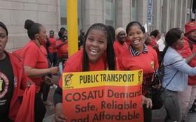 隸屬於南非總工會(COSATU)的南非警察工會(POPCRU)宣佈為了確保遊行期間社會秩序,警察工會不參與此次全國大遊行。(圖源:互聯網)