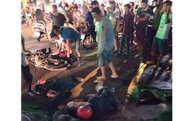 疑因偷狗的阿 D被民眾圍毆倒地不省人事。(圖源:CTV)