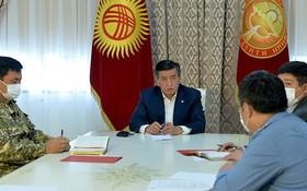 吉爾吉斯斯坦總統熱恩別科夫12日宣佈延長首都什凱克緊急狀態。(圖源:吉爾吉斯卡巴爾通訊社)