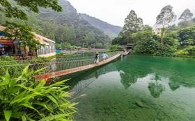 廣東有個小九寨,以天然山泉水開設水上樂園