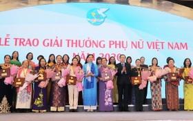 2020年越南婦女獎頒獎儀式。(圖源:D.H)
