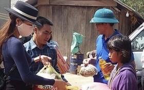 台商向廣平洪澇災民捐贈物資。