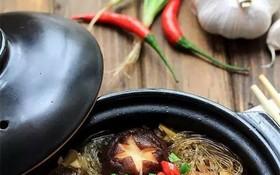 美味的香菇粉絲煲。(圖源:互聯網)