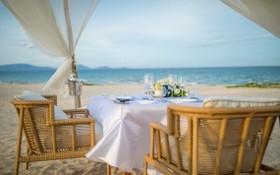 在度假區享用浪漫晚餐