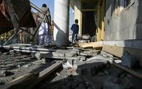 首都喀布爾人口稠密區21日遭到一連串火箭攻擊,造成至少8人死亡與31人受傷。(圖源:AFP)
