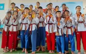 第五郡獲得本市2020年青年跆拳道比賽集體冠軍。