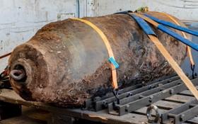 當地時間6日,德國法蘭克福市發現一枚二戰時期由英軍投下的未爆彈,重達500公斤。(圖源:AP)
