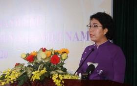 市越南祖國陣線委員會主席蘇氏碧珠在會上致詞。(圖源:越通社)
