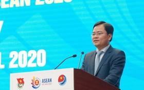 共青團中央第一書記、越南青年國家委員會主任阮英俊在會上致詞。(圖源:文牒)