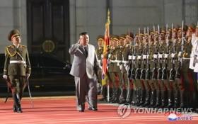 據朝中社10月10日報道,為慶祝朝鮮勞動黨成立75周年,朝鮮當天在平壤市中心的金日成廣場舉行閱兵儀式。(圖源:韓聯社 / 朝中社)