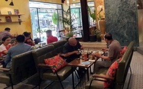清官縣夫人街64號公屋底層是餐飲。
