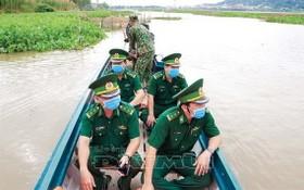 富國島邊防部隊加強開展海上巡邏監控疫情工作。