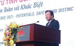 政府副總理鄭廷勇在會議上致詞。(圖源:河阮)