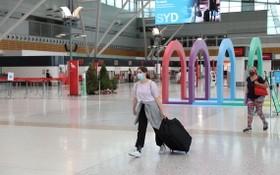 抵達澳洲悉尼機場的遊客寥寥無幾。(圖源:路透社)