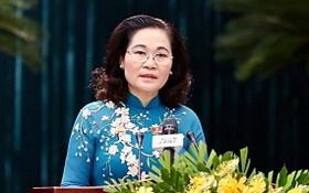 阮氏麗同志出任市選舉委員會主席。(圖源:黃江)