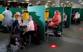 英國民眾接種新冠疫苗的情況。(圖源:互聯網)