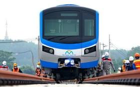 濱城-仙泉地鐵1號線列車已於去年10月份順利安放到軌道上。