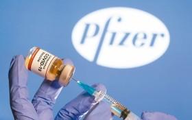 輝瑞藥廠製作的新冠肺炎疫苗示意圖。(圖源:路透社)