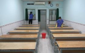 第五郡文朗學校進行消毒、清潔各間課室。
