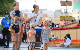 圖為來越旅遊參觀的國際遊客。(圖源:CTV)