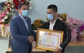 阮玉孟獲政府總理獎狀