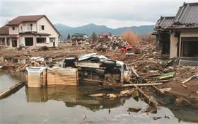 圖為10年前,3‧11大地震後,經海嘯肆虐後的殘破景象。(圖源:互聯網)