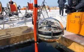 """這個由捷克、德國、波蘭、俄羅斯、斯洛伐克科學家合作的深水望遠鏡名為""""貝加爾-GVD""""(Baikal-GVD)。(圖源:推特)"""