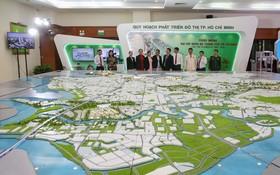 本市東面高度互動城市規劃沙盤模型。