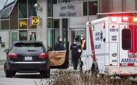警方及救護車相繼趕抵案發現場。(圖源:互聯網)