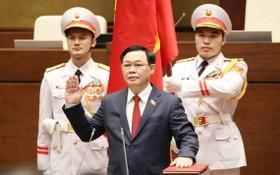 新任國會主席王廷惠宣誓就職。(圖源:越通社)