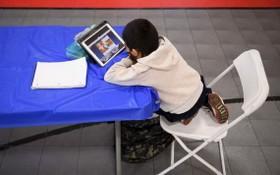 美國醫學雜誌4月5日發表的研究指出,在過去1年中,有3萬7300至4萬3000名美國兒童因新冠疫情失去至少父母一方,其中非洲裔兒童受影響最大。(示意圖源:互聯網)