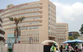 民眾在175軍醫醫院接受診療。