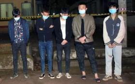 非法入境被查獲的5名外籍人員。(圖源:CTV)
