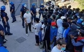 意大利兩天逾千名難民登陸。(圖源:互聯網)