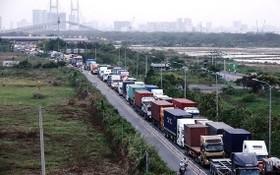 從富美橋往桔萊港的路段經常發生交通擁擠。